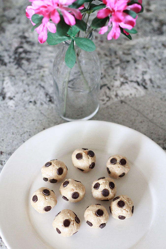 Clean Cookie Dough Bites