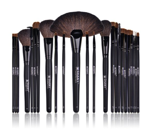Up to 45% off Beauty – awesome makeup brushes included!
