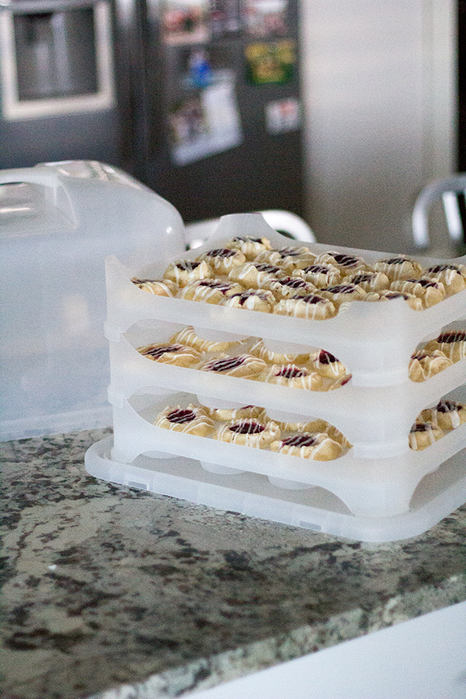 Raspberry and Almond Shortbread Thumbprints, cookie recipes, great holiday cookies, holiday cookie recipes, pretty cookies, easy cookies, easy cookie recipes, the best cookies