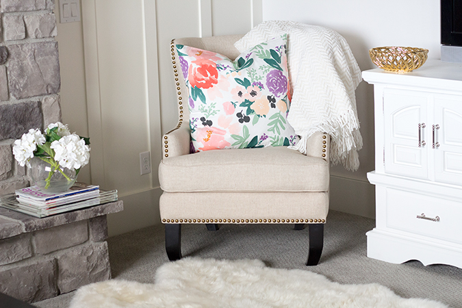 Caitlin Wilson Textiles, Caitlin Wilson design, Caitlin Wilson, Caitlin Wilson pillows, home decor, interior design, white home