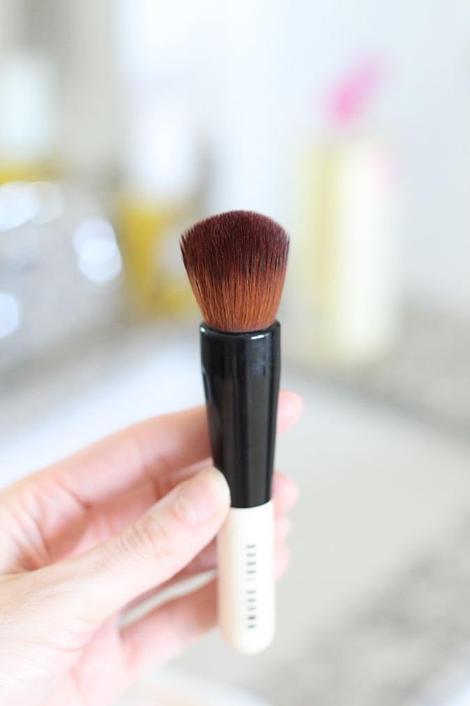 How to clean makeup brushes, best way to clean makeup brushes, tutorial, tutorial on how to clean makeup brushes, most inexpensive way to clean makeup brushes, uses for Castile soap, best ways to use Castile soap  | The BEST Way to Clean Makeup Brushes featured by top Utah life and style blog, A Slice of Style: image of a clean makeup brush