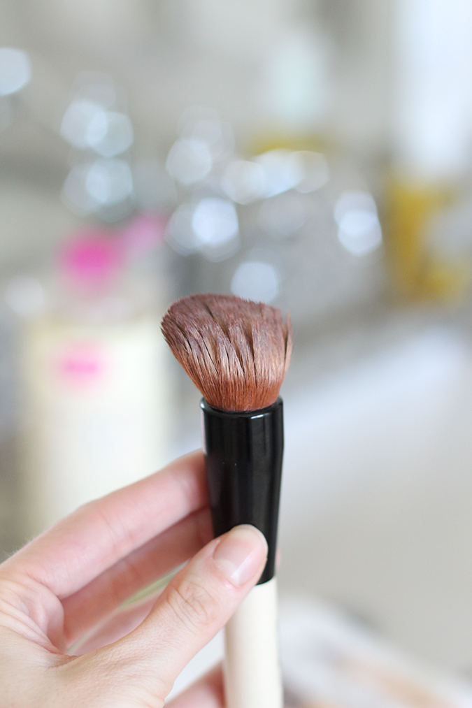How to clean makeup brushes, best way to clean makeup brushes, tutorial, tutorial on how to clean makeup brushes, most inexpensive way to clean makeup brushes, uses for Castile soap, best ways to use Castile soap  | The BEST Way to Clean Makeup Brushes featured by top Utah life and style blog, A Slice of Style: image of dirty makeup brush