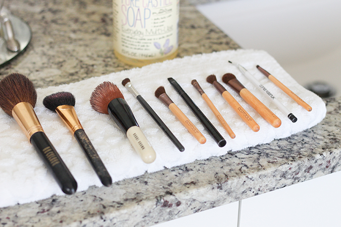 How to clean makeup brushes, best way to clean makeup brushes, tutorial, tutorial on how to clean makeup brushes, most inexpensive way to clean makeup brushes, uses for Castile soap, best ways to use Castile soap  | The BEST Way to Clean Makeup Brushes featured by top Utah life and style blog, A Slice of Style: image of makeup brushes