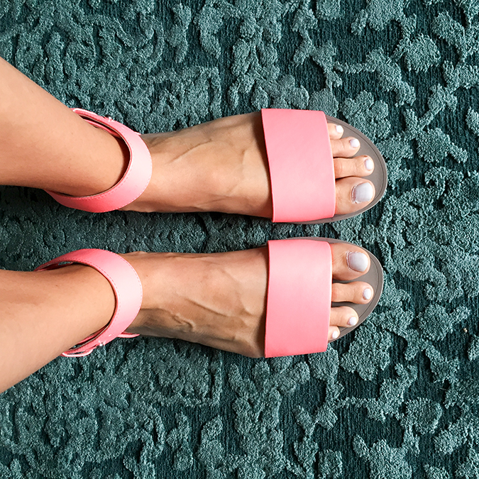 Nordstrom Summer clearance sale, Nordstrom sale, Little Miss Fearless, good deals, polarized sunglasses, sandals for summer, Steve Madden Sandals