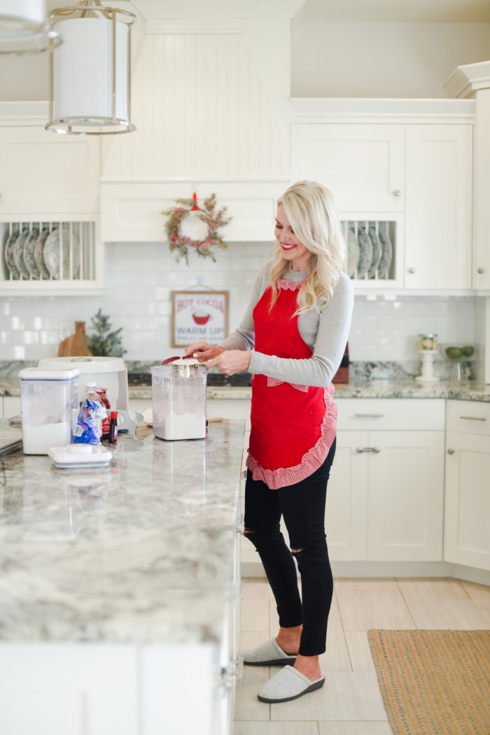 Apron | Cooking | My Favorite (Easy!) Christmas Cookies Recipe featured by top Utah foodie blog A Slice of Style