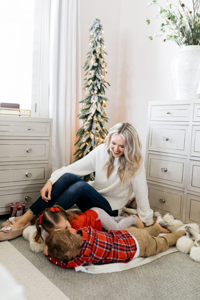 Amazon | Stocking Stuffers Ideas and Gifts that Will Arrive By Christmas Eve! featured by top Utah life and style blog A Slice of Style