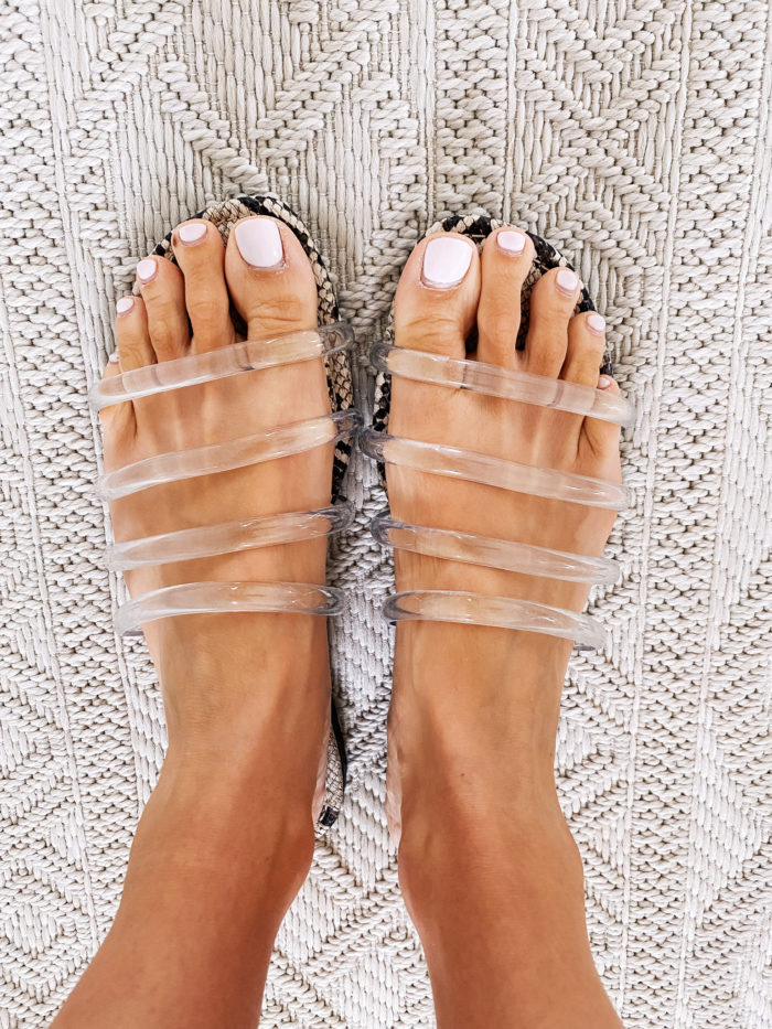 Amazon Fashion Haul by popular Utah fashion blog, A Slice of Style: image of a woman wearing a pair of Amazon Circus by Sam Edelman Women's Bowe Slide Sandals.